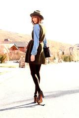 5576963471_127b22ab04_b_gig (Tillerman_123) Tags: feet heels giantess