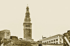dipsy_doodle (gerhil) Tags: urbanlandscape cityscape architecture building outdoor cle terminaltower summer august201g macphuntonalitypro monochrome tower