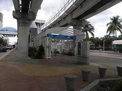 Miami Metromover Station (MadKnits) Tags: miami miamifl florida miamiflorida urban city cityscape palm palmtree transportation publictransportation miamimetromover tram metrorail