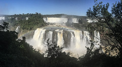 "Les chutes d'Iguaçu <a style=""margin-left:10px; font-size:0.8em;"" href=""http://www.flickr.com/photos/127723101@N04/29530853702/"" target=""_blank"">@flickr</a>"