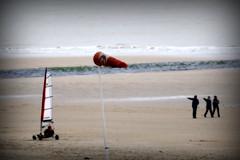 3260 (roberke) Tags: sea people beach water strand sand belgium noordzee zee westvlaanderen northsea oostende flanders zand mensen