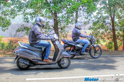 Honda-Activa-vs-Hero-Splendor-01