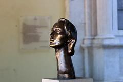 bronze woman (Artee62) Tags: portugal canon eos lisbon 7d iberia mkii