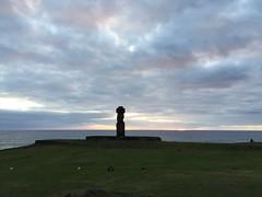Ahu Ko Te Riku, Easter Island, Chile. (ER's Eyes) Tags: baíacook tahai ahutahai moai moais ahu ahus ahukoteriku topete pukao ahuvaiuri platforms canoeberth rampadecanoa nationalparque ceremonialcenter harepaenga rampadebarcos poente sunset atracaderodecanoas costeiro litoral 3centrosceremoniales sacrário santuário ceremonialshrines santuárioscerimoniais tepitootehenva thenaveloftheworld thekainga theland aterra rapanui paascheneyland easterisland sancarlos whyhu vaihu terraaustralis 5deabrilde1722 eastersunday hangaroabay baíaampla umbigodomundo mana aramoai tapu ariki arikimau moaitangata moaipa´apa´a tupa matangarahu reimiro canteiro ilhadepáscoa ilhadapolinésiaoriental oceanopacífico unesco ilhagrande tepitootehenúa