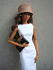 Dominique with hat (Deejay Bafaroy) Tags: red portrait white black rot hat fashion bag toys doll dress barbie portrt lips hut clutch dominique makeda fr weiss handbag royalty puppe integrity tasche lippen kleid handtasche tantalizing nuface