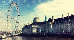 County Hall and London Eye (Deydodoe) Tags: uk london thames londoneye ferriswheel riverthames countyhall 2016