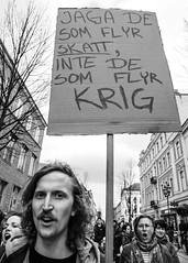 Demonstration 2016-05-01 (Michael Erhardsson) Tags: politik 15 demonstration sverige socialism maj rebro 2016 frsta svartvitt vnster vnsterpartiet demokrati nrke solidaritet