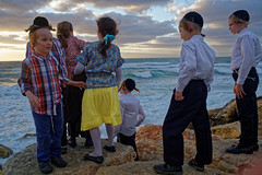 Israel (Hemo Kerem) Tags: street sea people kids clouds israel telaviv waves minolta sony 28mm religion mf alpha manualfocus tlv rokkor minoltamd28mmf28 a7rii sonya7rm2 a7rm2 ilce7rm2