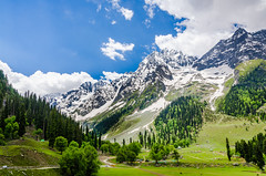 Valley Near Sonmarg - Kashmir, India (Parth_Joshi) Tags: india snow mountains nature clouds landscape nikon valley kashmir sonmarg beautifulindia d7000