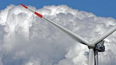 Windmaschine / Nordfriesland (MH *) Tags: wind wolken sky strom energy clouds nordfriesland schleswigholstein himmel d7200 windkraftanlage vanagram