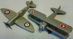 UNIVERSAL MIGHTY WINGS # 4202 SPAD XIII and # 4303 SPITFIRE (NyamalaTone) Tags: toy airplane avion jouet juguete vintage collectible flugzeug