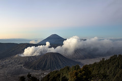 Indonesia. Grupo de crteres, volcn Bromo, Batok, Kursi, Watangan y Widodaren. (fdecastrob) Tags: volcn vulcano bromo batik kursk watangan widodaren java jawa indonesia d750