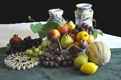 Frutta fresca e vasi antichi (Melisenda2010) Tags: naturamorta stilllife coth coth5