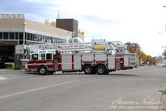 CFD Aerial 11 (Q12 04) (S. Neilson Photography) Tags: calgary alberta canada fire department truck rig apparatus cfd ladder quint aerial platform q1204 spartan gladiator smeal 100 rear mount