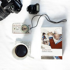 Gulliver (✿ Triin Q) Tags: reading book books literature currentlyreading nowreading bookphotography triinbooks