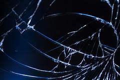 Cracked screen (Olli Karjalainen) Tags: broken glass samsung galaxy dcr250 raynox raynoxdcr250 note2 makrokuvia