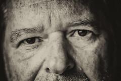 Je vous ai  l'oeil (maoby) Tags: man me face self vintage rouge autoportrait kodak moi collection dcs oeuil dcs620x maoby