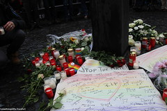 Mahnwache 2 (protestfotografie.frankfurt) Tags: orlando demonstration engel frankfurtammain frankfurter homophobie lgbtq