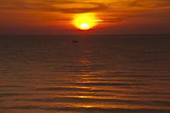 Dusk at the equator #Sunset_AJM8874 View from Putatan Beach (azj68@yahoo.com | +6 0138895959) Tags: malaysia borneo sabah azman north putatan azmanjumat borneo downtilldusk azmanjumatphotographer azmanjumatphotography duskattheequator
