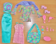 2000 Fashion Party Nikki Outfits & Accessories (A Thousand Splendid Dolls) Tags: barbie skipper skipperdoll barbiedoll nikkidoll barbiesister skipperfriend 2000barbie fashionpartyskipper fashionpartynikki skippernikki 2000skipper 2000fashionpartynikkidoll skipperfashionparty fashionpartynikkioutfit barbieskippernikki