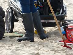 Aigle (willi2qwert) Tags: beach women wellies rubberboots gummistiefel wellingtons gumboots rainboots regenstiefel