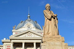 The Statue of Mihail Cantacuzino (~ Mariana ~) Tags: nikon statue bucharest europe romania sky architecture marculescueugendreamsoflightportal travelsofhomerodyssey outstandingromanianphotographers sculpture outdoor building mariana ~mariana~