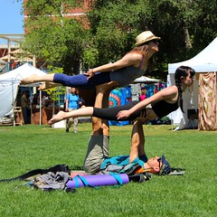 IMG_7496_Acro Yoga with two flyers (sdttds) Tags: sexy love feet students beautiful yoga hippies toes pretty crafts livemusic arts environmental arches quad pies barefeet davis pieds soles fuesse ucdavis yolocounty sustainable wholeearthfestival prettyfeet acroyoga zerowaste chn acrobaticyoga 46thannual wawae fse miguu partnersyoga  wef2015