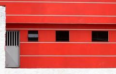 Por Ai-Moradia-Diadema-SP. (nariobarbosa) Tags: red house brasil saopaulo streetphotography brazilian diadema moradia porai