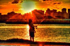 Pescando . (Cludio Maranho) Tags: fantastic streetphotography recife pernambuco streetscenes poente brasilbrazil cidadesnordestinas citiesinbrazil