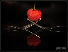 afresa 012def (Roberto Bondia) Tags: primavera studio strawberries health springtime fresas salud ecologic ecologica vegearian bondia robertobondia