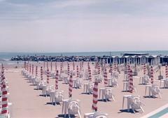 la playa en invierno (raquel jazmn) Tags: mar