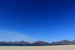 Feeling insignificant (Gtarman1401) Tags: sky panorama beach luskentyre isleofharris