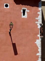 o O \ (fotomie2009) Tags: martigues francia france provence provenza canal st sbastien facciata faade lamp lampione shadow