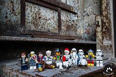 IMG_2552 (Marco Brambilla) Tags: game abandoned miniatures miniature model lego decay games abandon giochi gioco minifigure giocattoli abbandonato minifigures giocattolo decadimento
