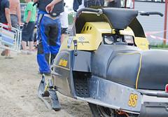 drag059 (minitmoog) Tags: dragrace grass dragracing sleds snowmobiles skoter veteran vintage lycksele