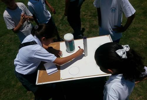Sol cenital- Colegio Los Delfines, Quepos