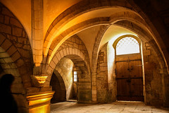 arched walls in Burgundy cellar (Collodilux) Tags: burgundy vault cellar travelphotography