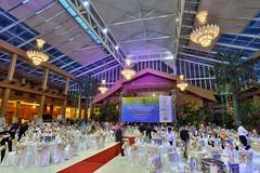 The Royale Chulan Kuala Lumpur   Scene 2 (Shamsul Hidayat Omar) Tags: tourism photography hotel design high interesting nikon dynamic interior decoration grand places scene chandelier malaysia kuala omar range hdr royale lumpur the hidayat greatphotographers shamsul chulan photoengine oloneo d800e