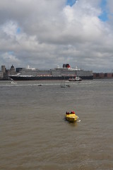 IMG_1339 (Abhorsen The Final Death) Tags: uk england people water liverpool river europe ships queenmary2 cunard queenvictoria mersey qe2 queenelizabeth threequeens merseyside 175th