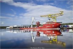 _DSC7921 (Services +97433159455) Tags: uk reflection river tyne sos umbilical rivertyne duco technip subsea7 oilandgas ukriver shepherdoffshore skandiacergy