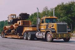 Mack Superliner on I-78, Pizzagalli (PAcarhauler) Tags: tractor semi trailer mack superliner