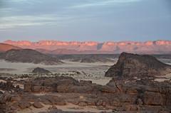Lybia (Tahia Hourria) Tags: sunset sky de algeria soleil sand desert coucher sable nora ciel paysage ait algérie rochers lybia tahia afrique désert algiers tassili alger lunaire lybie djanet aissa houria hourr désertique algériens hourria aitaissa aïtaïssa