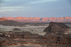 Lybia (Tahia Hourria) Tags: sunset sky de algeria soleil sand desert coucher sable nora ciel paysage ait algrie rochers lybia tahia afrique dsert algiers tassili alger lunaire lybie djanet aissa houria hourr dsertique algriens hourria aitaissa atassa