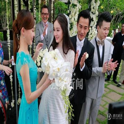 Stars mit der Braut und Brautjungfer Kleider Hochzeitskleid