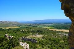 Les Eyguires (Bouches du Rhne) (valerie.titepuce) Tags: france nature montagne ruine pierres provence chateau vue randonne vgtation bouchesdurhone