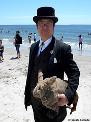 Dr. Takeshi Yamada and Seara (Coney Island Sea Rabbit) at the Coney Island Beach in Brooklyn, New York on June 9, 2016.  20160609Thu DSCN6464=0010ptC, Coney Island Beach (searabbits23) Tags: searabbit seara takeshiyamada  taxidermy roguetaxidermy mart strange cryptozoology uma ufo esp curiosities oddities globalwarming climategate dragon mermaid unicorn art artist alchemy entertainer performer famous sexy playboy bikini fashion vogue goth gothic vampire steampunk barrackobama billclinton billgates sideshow freakshow star king pop god angel celebrity genius amc immortalized tv immortalizer japanese asian mardigras tophat google yahoo bing aol cnn coneyisland brooklyn newyork leonardodavinci damienhirst jeffkoons takashimurakami vangogh pablopicasso salvadordali waltdisney donaldtrump hillaryclinton endangeredspecies save