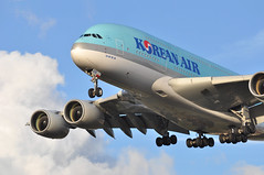 KE0907 ICN-LHR (A380spotter) Tags: landing approach arrival finals shortfinals threshold belly airbus a380 800 msn0075 hl7615  koreanair kal ke ke0907 icnlhr runway27r 27r london heathrow egll lhr