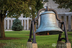 Daviess County Courthouse Bell (AP Imagery) Tags: lawn daviess daviessco county courthouse ky historyofowensboro historic kentucky bell usa