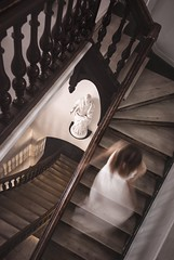 Le fantme de l'escalier (Patrick Matte) Tags: running woman stairs ghost