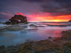 Bridgewater Bay Sunset (Bjorn Baklien) Tags: ocean longexposure sunset cloud seascape rock landscape sorrento morningtonpeninsula bridgewaterbay keyholerock